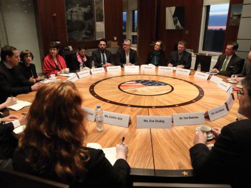 Die WI beim runden Tisch der US-Botschaft